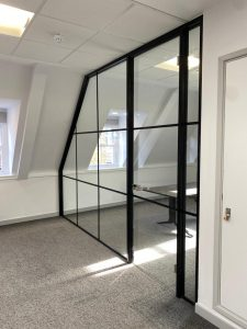 glass screen partition
