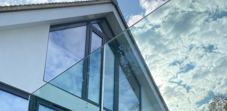 Choosing The Right Glass Balustrade For Your Home is Now Easy